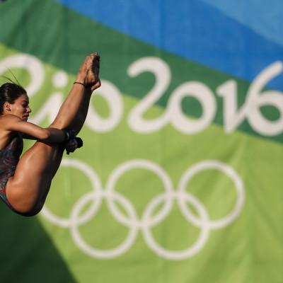 Ingrid Oliveira disputa saltos ornamentais na plataforma de 10 metros